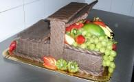 tort aniversare cos de fructe