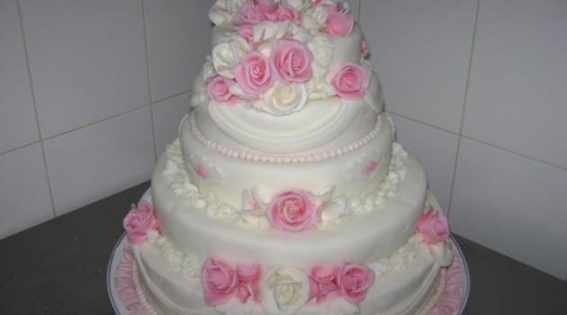 tort pentru nunta model 18