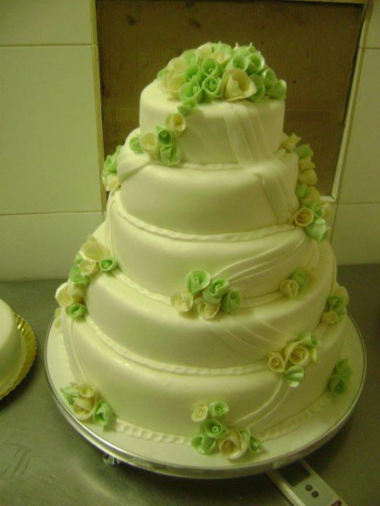 Tort mireasa 22