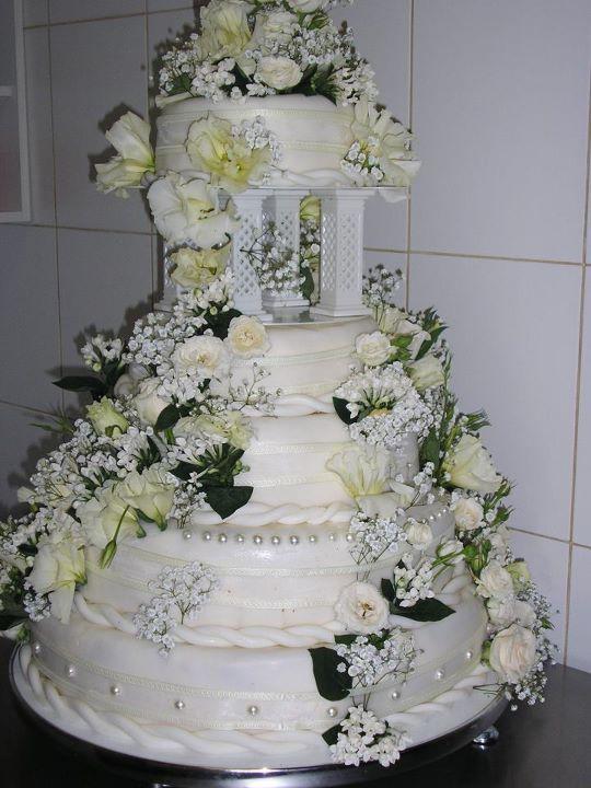 Tort mireasa 30