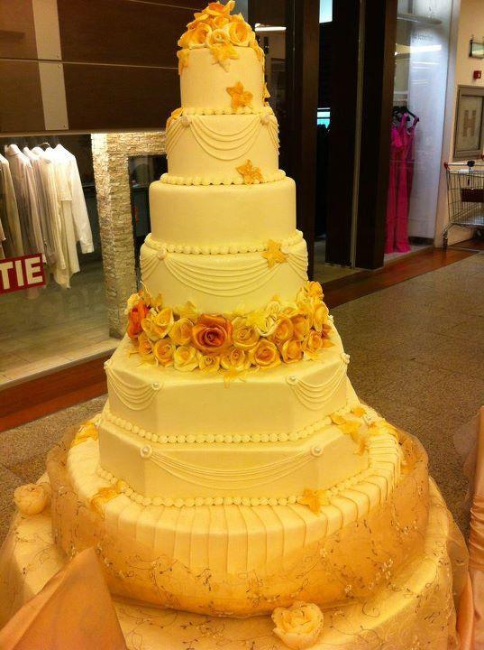 Tort nunta model 35
