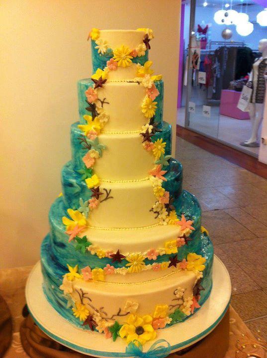 Tort mireasa model 36