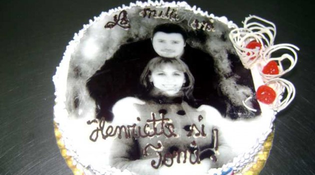 model tort aniversare 20
